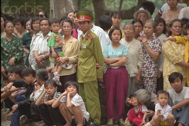 Nhìn lại hình ảnh chiến sĩ Công an nhân dân thập niên 80, 90 9