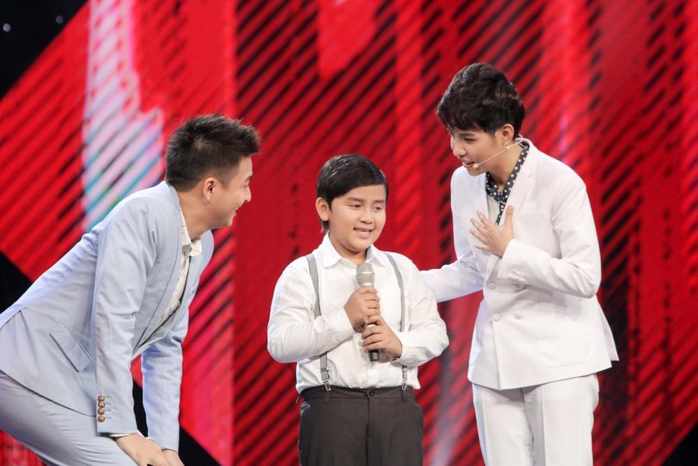 Giải trí - Cậu bé hát dân ca khiến Đông Nhi, Noo Phước Thịnh