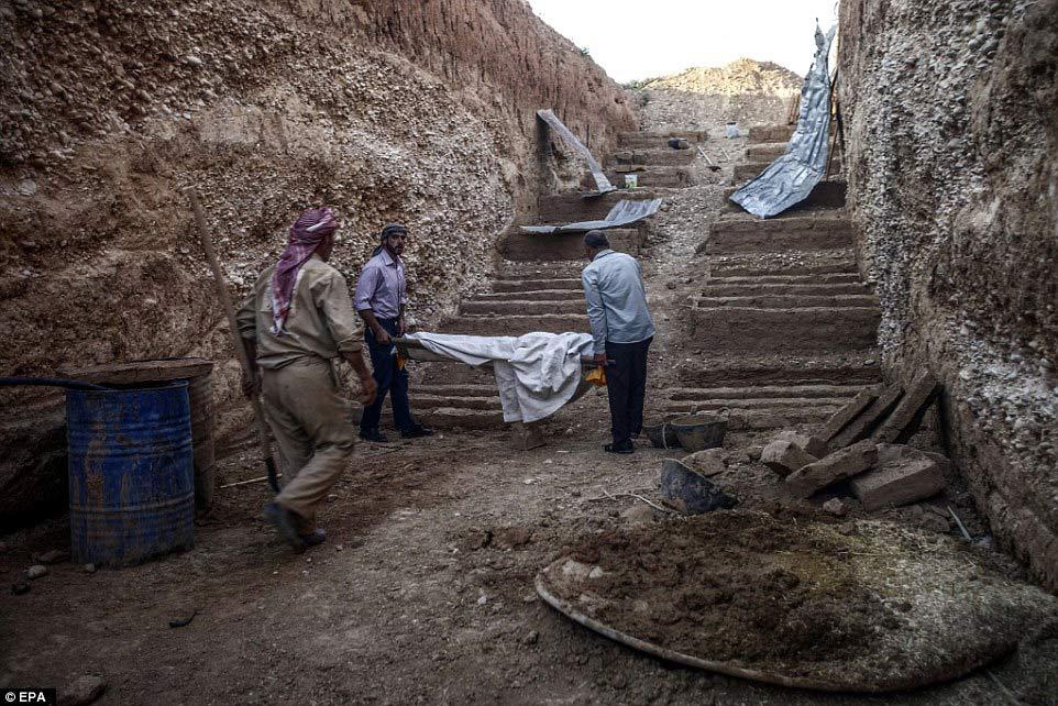 Những ngôi mộ bậc thang đầy ám ảnh ở Syria 5