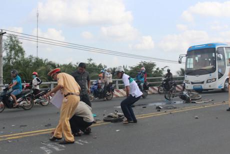 Xe cấp cứu gây tai nạn, nam thanh niên chết thảm 1