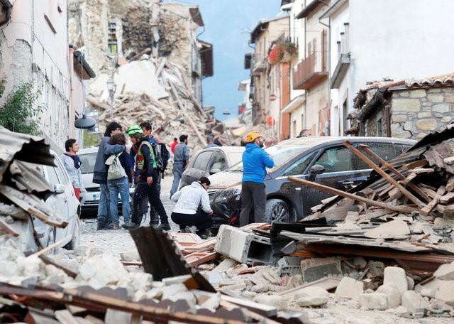 Động đất rung chuyển Italy, nửa thị trấn bị phá hủy 1