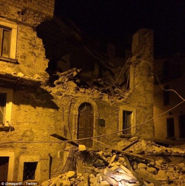 Động đất rung chuyển Italy, nửa thị trấn bị phá hủy 2