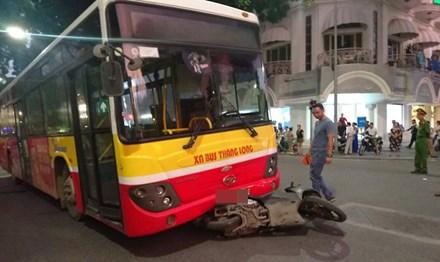 Xe buýt đâm chết 1 phụ nữ giữa trung tâm Hà Nội 1