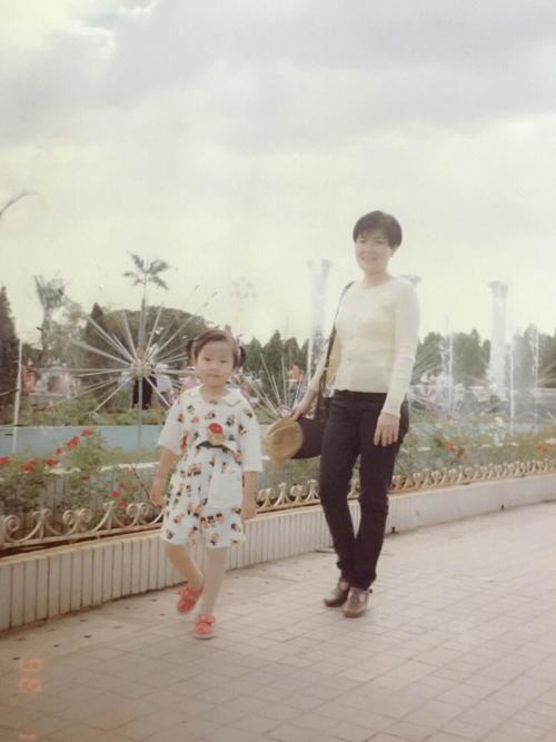 Học trò Phạm Hương khoe hình ngày bé dễ thương như con trai 5