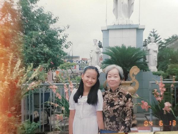 Học trò Phạm Hương khoe hình ngày bé dễ thương như con trai 7