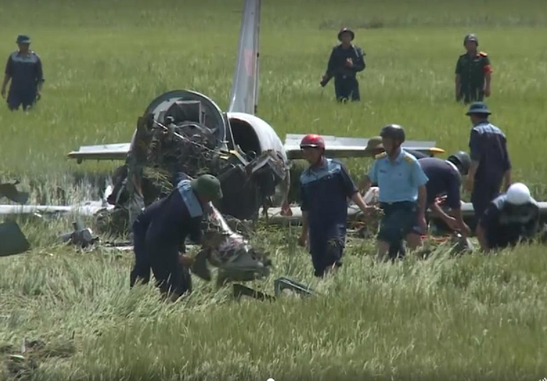 Chùm ảnh hiện trường vụ máy bay quân sự rơi ở Phú Yên 6