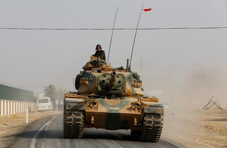 Chùm ảnh: Xe tăng Thổ Nhĩ Kỳ rầm rộ tiến vào Syria  1