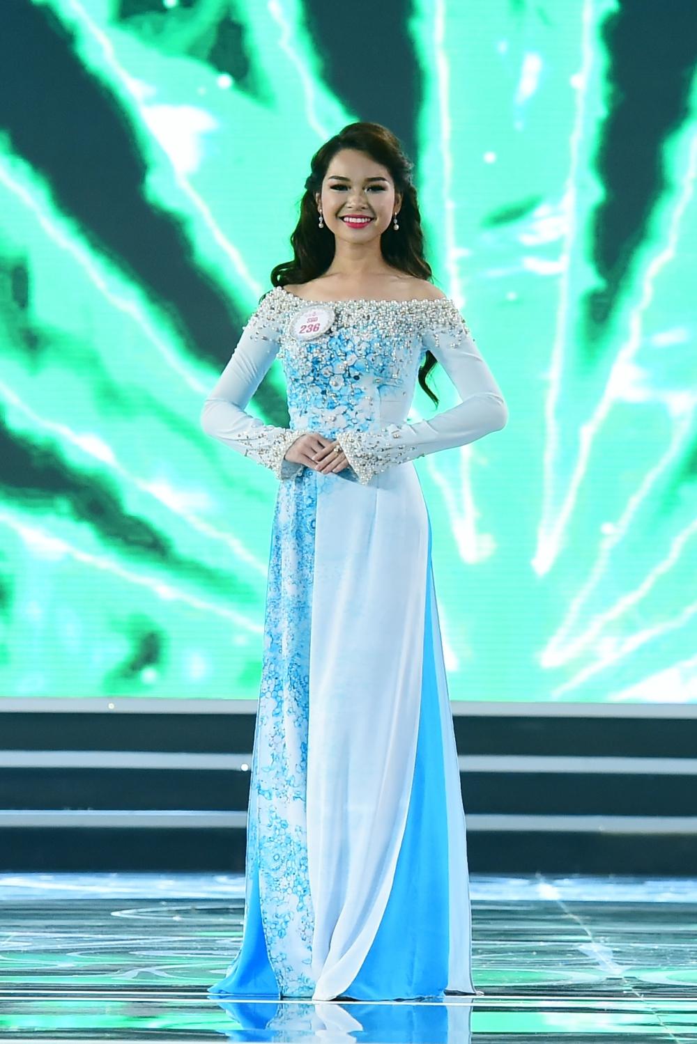 Hình ảnh Trực tiếp chung kết Hoa hậu Việt Nam 2016: Công bố top 5 lọt vào vòng ứng xử số 24