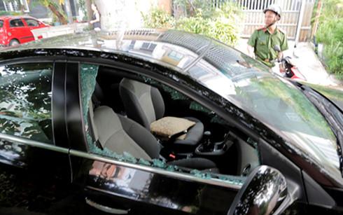 Phụ huynh tá hỏa khi ô tô bị đập vỡ kính, mất cắp trước cổng trường mầm non 1