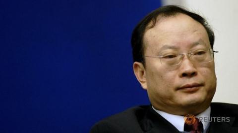 Cả nhà Cục trưởng Thống kê Trung Quốc bị