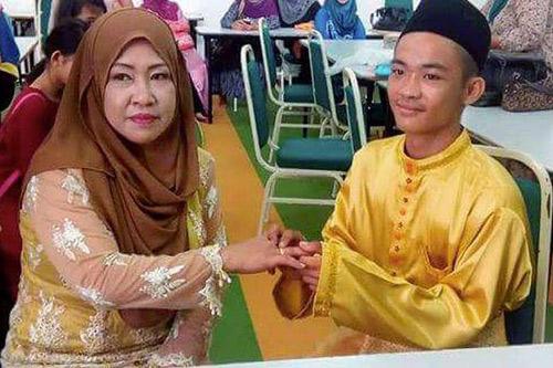Đám cưới gây xôn xao giữa trai tân 18 tuổi và bà mẹ 5 con  2