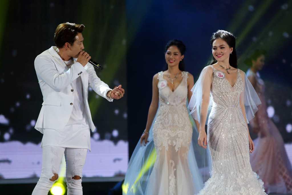 Chung kết Hoa hậu Việt Nam 2016 bị chê lắm sạn: Ban tổ chức lên tiếng 3
