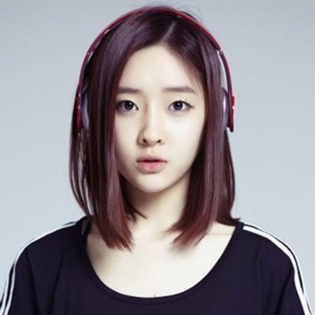 Học trò Trấn Thành bị chỉ trích vì dùng ảnh ca sĩ Hàn đặt trên bàn thờ 3