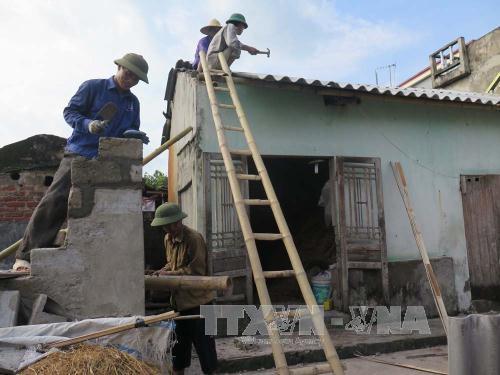 Lốc xoáy dữ dội phá hủy nhà cửa ở Tứ Kỳ, Hải Dương 1