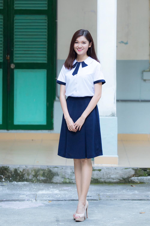 Á hậu Thuỳ Dung khoe nét đẹp trong veo với đồng phục nữ sinh 6