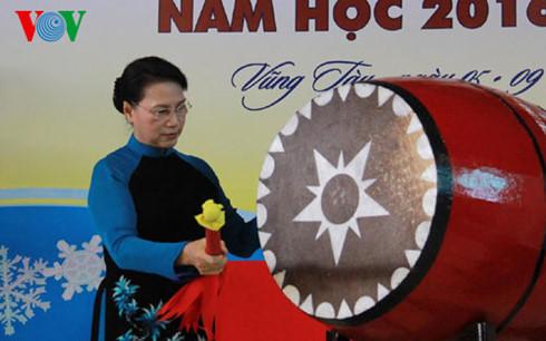Chùm ảnh lãnh đạo Đảng, Nhà nước dự lễ khai giảng năm học mới 6