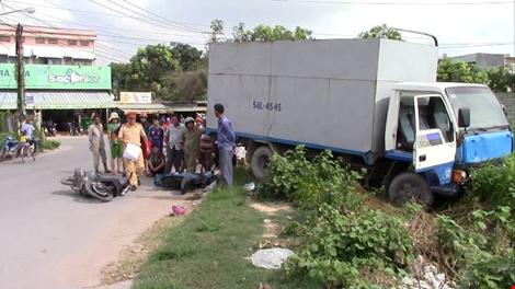 Tài xế 17 tuổi lái xe tải gây tai nạn giao thông, 3 người nguy kịch 1