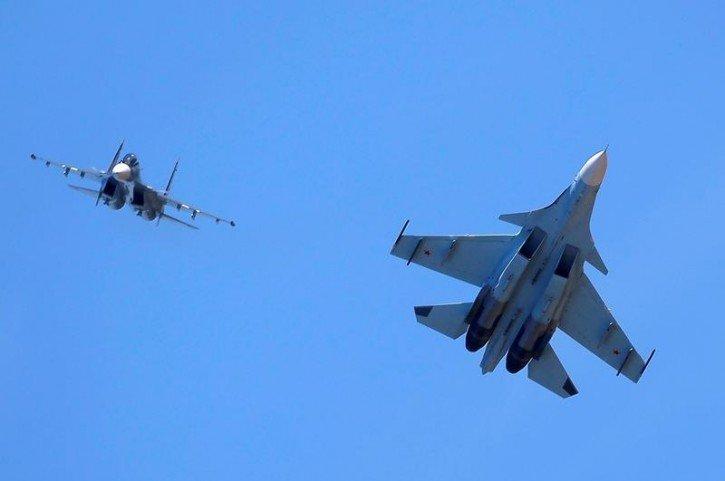 Bị máy bay Mỹ áp sát biên giới, Nga điều chiến đấu cơ đánh chặn 1