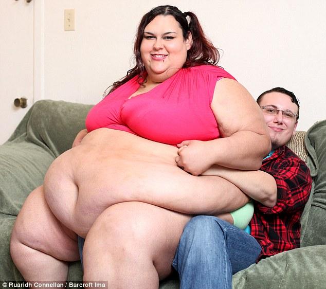 Chàng trai quyết tâm chăm cho bạn gái đến khi béo nhất thế giới 2