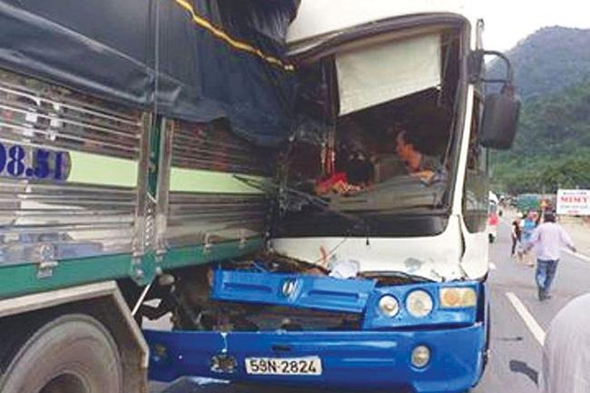 Vụ xe tải cứu xe mất phanh khi đổ đèo: Tài xế xe khách lên tiếng 1