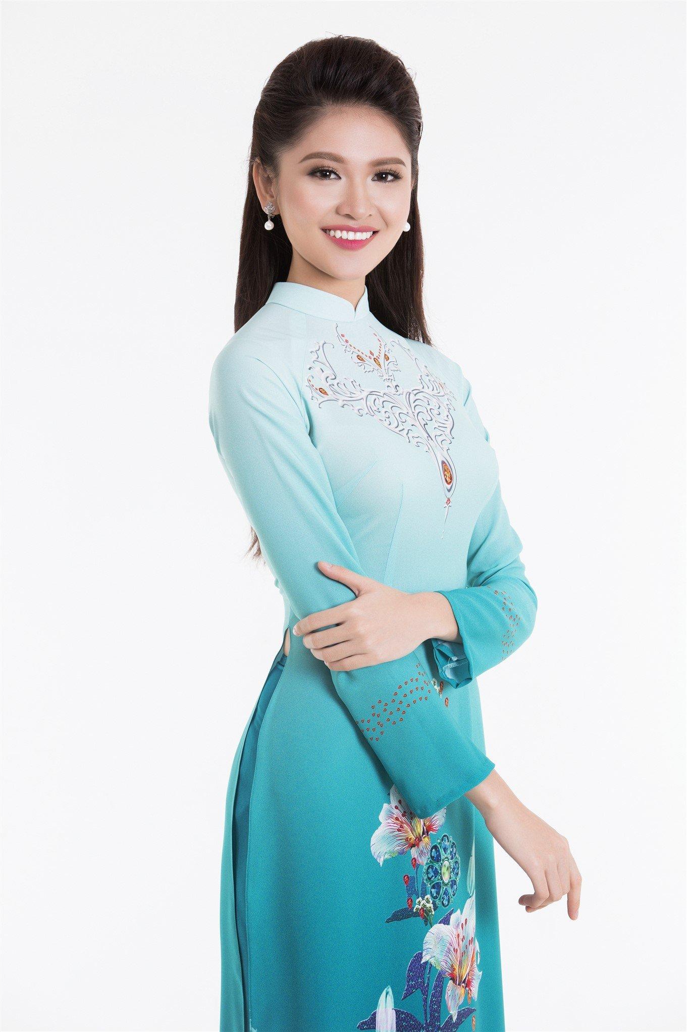 Tân Hoa hậu Đỗ Mỹ Linh và hai Á hậu đọ sắc trong tà áo dài 4