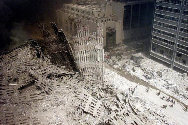 Những hình ảnh khó quên về vụ khủng bố 11/9 5