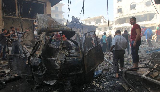 Syria rung chuyển vì đánh bom, hơn 100 người thiệt mạng 1