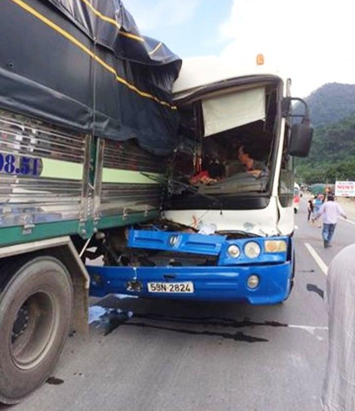 Tạm giữ xe khách được cứu tại đèo Bảo Lộc để điều tra 1
