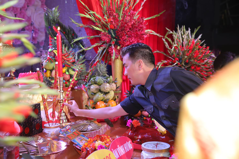 Đàm Vĩnh Hưng tổ chức lễ giỗ tổ ngành sân khấu sau 20 năm ca hát 11