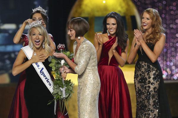 Nữ sinh 21 tuổi đăng quang Hoa hậu Mỹ 2016 2