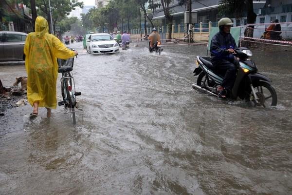 Sáng ngày 13/9, bão số 4 giật cấp 11 đổ bộ vào Đà Nẵng- Quảng Ngãi 1