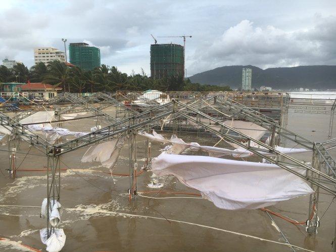Bão số 4 - bão RAI suy yếu thành áp thấp nhiệt đới sau khi vào đất liền 3