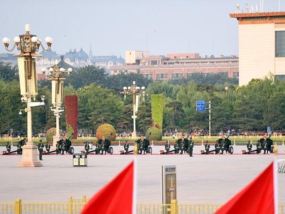 Trung Quốc bắn 19 phát đại bác đón Thủ tướng Nguyễn Xuân Phúc 3