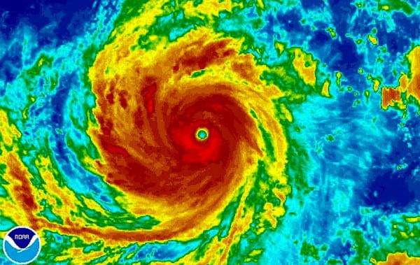 Siêu bão Meranti giật trên cấp 17, Biển Đông động dữ dội 1