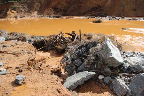 Sự cố thủy điện Sông Bung 2: Những người mất liên lạc đã về nhà an toàn 1