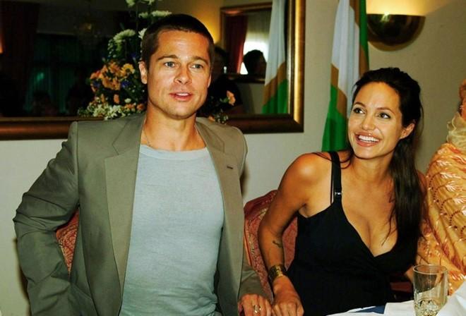 Brad Pitt và Angelina Jolie: Chuyện tình đẹp như mơ sau 12 năm gắn bó 9