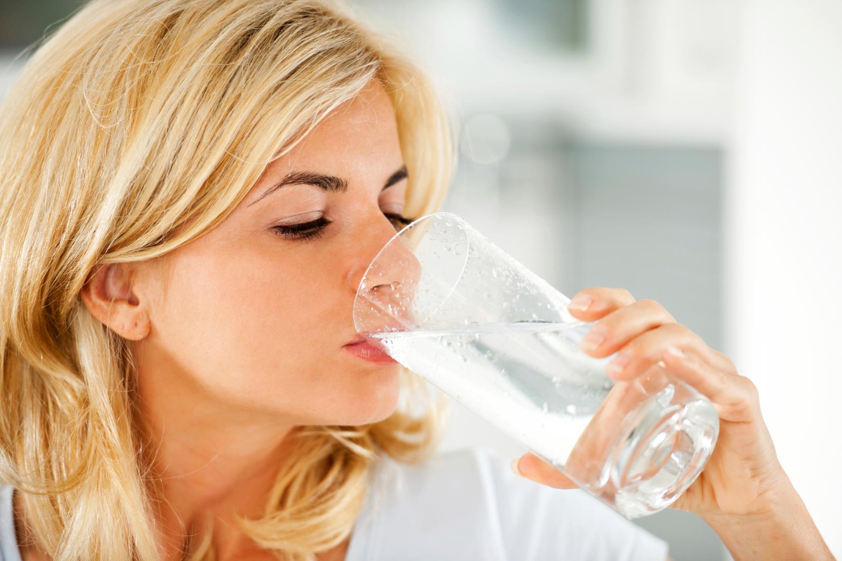 Lợi ích tuyệt vời của uống nước lọc vào buổi sáng 2