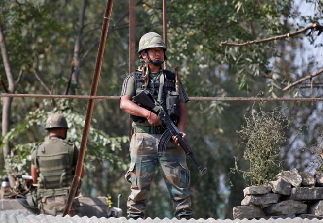 Đấu súng 6 giờ liền tại biên giới Ấn Độ 1