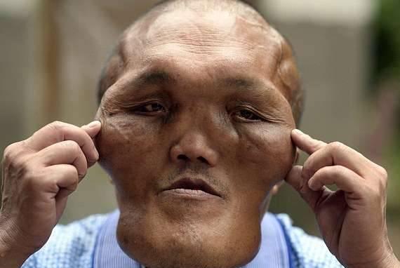 Ông lão có khuôn mặt giống người ngoài hành tinh 5