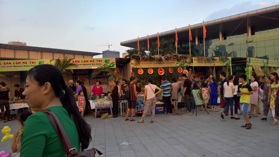 Độc đáo lễ hội văn hóa làng Cốm Mễ Trì 2