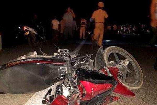 Tin TNGT mới nhất ngày 3/10: 2 xe máy đấu đầu, một cha xứ tử vong 1