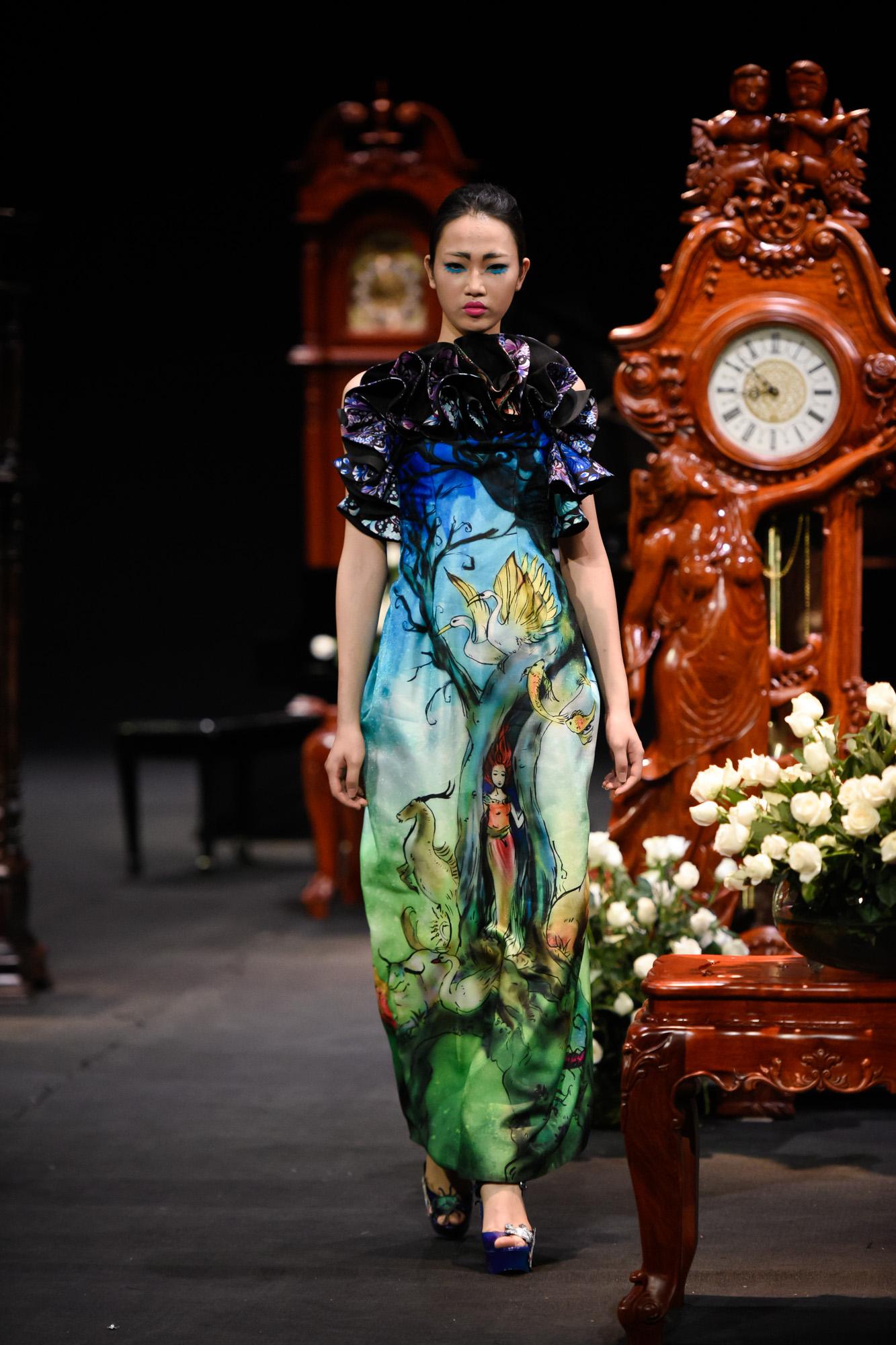 BST bằng thời gian của một ngày của NTK Hùng Việt trong Vietnam Fashion Week 2017 5