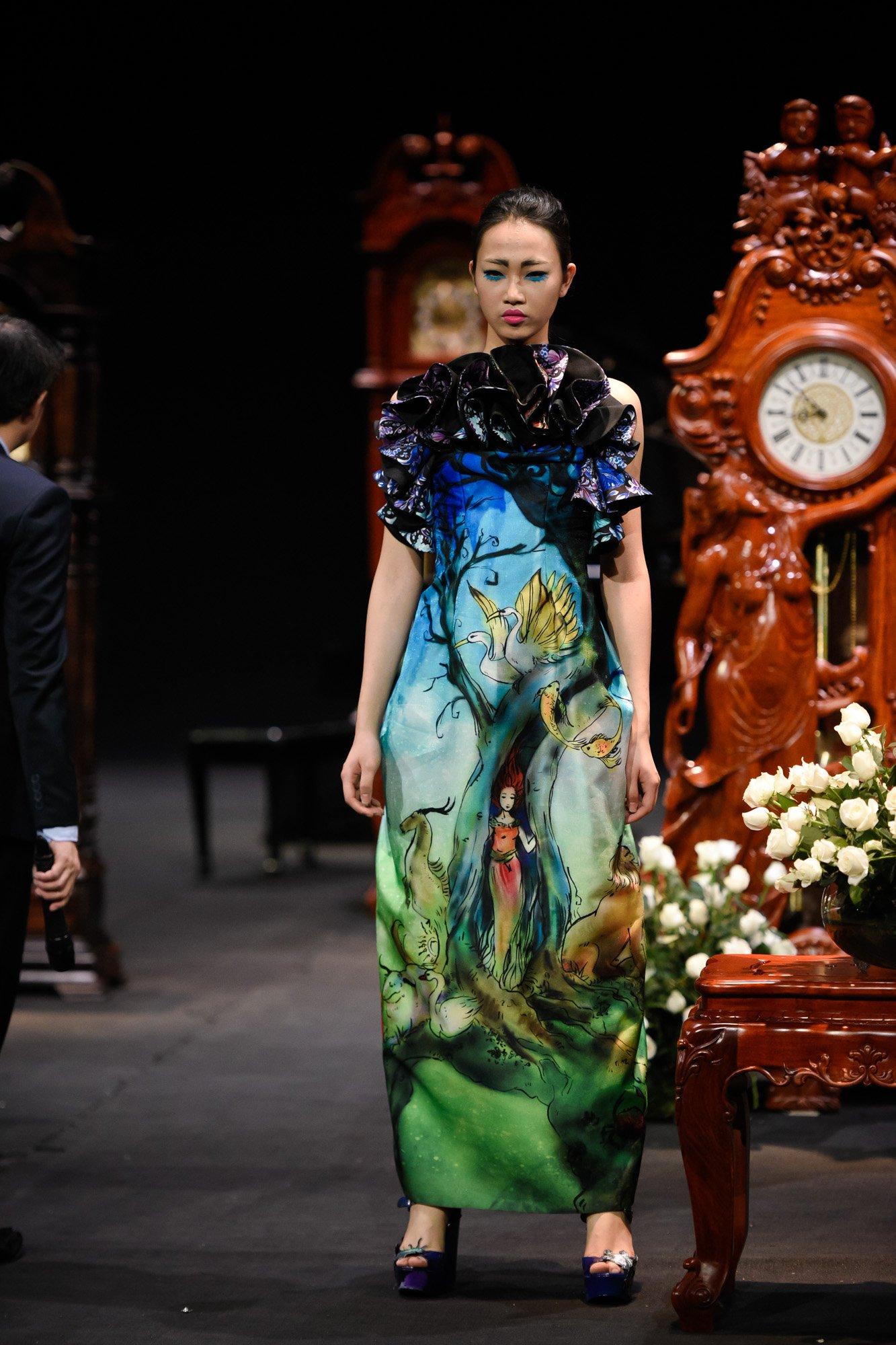 BST bằng thời gian của một ngày của NTK Hùng Việt trong Vietnam Fashion Week 2017 6