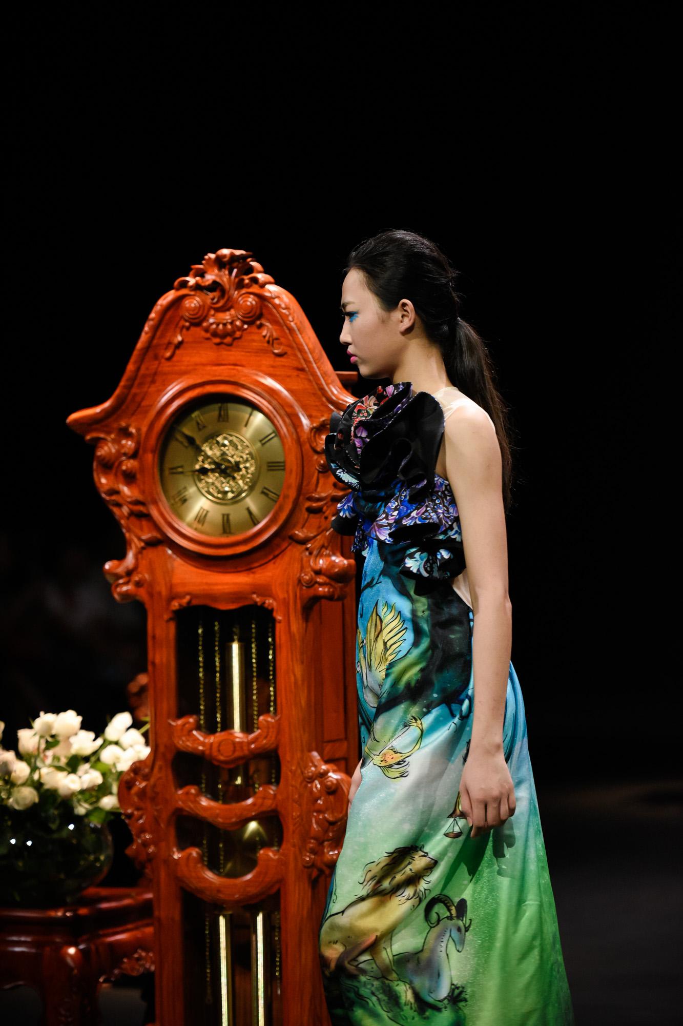 BST bằng thời gian của một ngày của NTK Hùng Việt trong Vietnam Fashion Week 2017 8