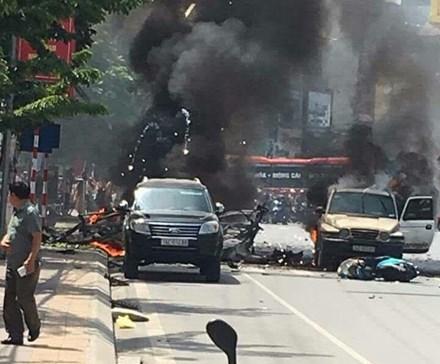 Nổ xe taxi ở Quảng Ninh, 2 người chết tại chỗ 2