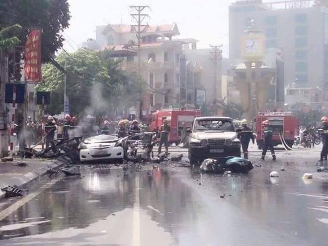 Nổ xe taxi ở Quảng Ninh, 2 người chết tại chỗ 1