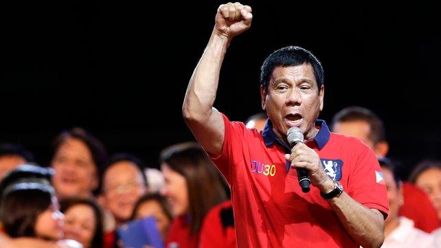Mỹ 'bịt mũi' trước Duterte để hợp tác với Philippines 2
