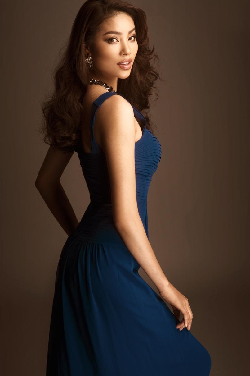 Nhan sắc mặn mà của Phạm Hương sau 1 năm đăng quang Hoa hậu 6
