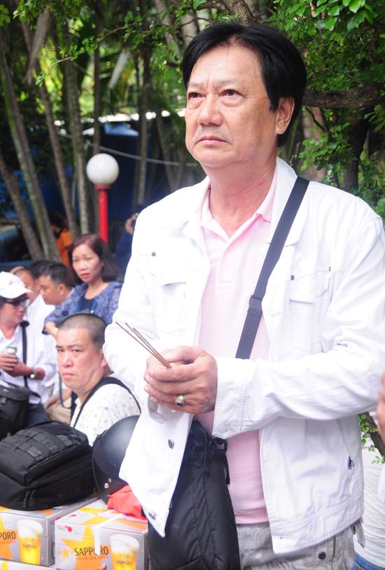 Sao Việt viếng mộ diễn viên Lê Công Tuấn Anh trong lễ giỗ 20 năm 3