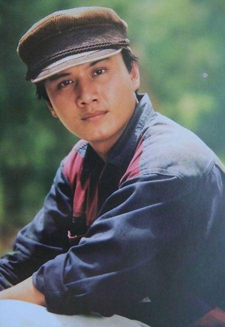 Sao Việt viếng mộ diễn viên Lê Công Tuấn Anh trong lễ giỗ 20 năm 7